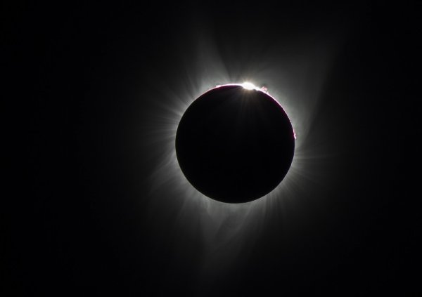The mesmerizing effects of the solar corona (crown) during a total solar eclipse